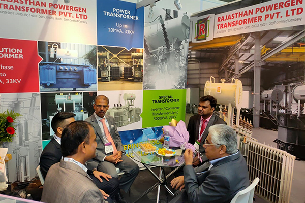 Mr Mridul Kumar, Indian High Commissioner to Malaysia and the Co-Chairman, ASEAN India Business Council, Dato` Ramesh Kodammal is discussing with some exhibitors where Mr V Kumar, Asstt. Director, EEPC India is present.