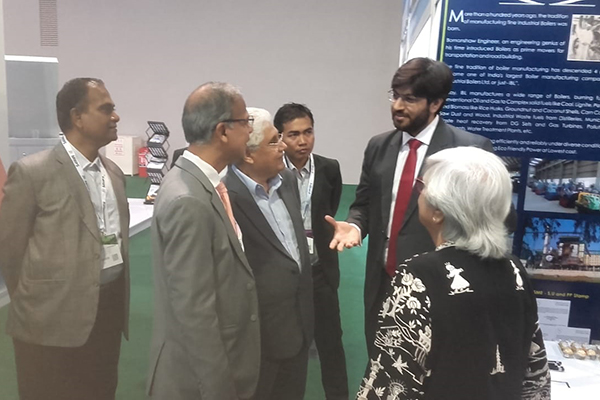 Mr Mridul Kumar, Indian High Commissioner to Malaysia and the Co-Chairman, ASEAN India Business Council, Dato` Ramesh Kodammal are taking tour to the Indian Pavilion.