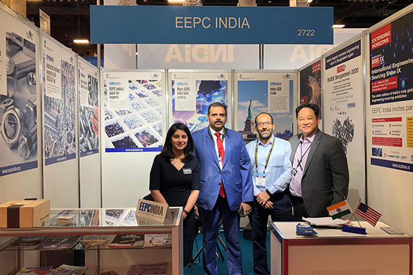Dr Rajat Srivastava, Regional Director (WR) &Director(Marketing &Sales), EEPC India (in blue jacket) with Visitors at EEPC India booth