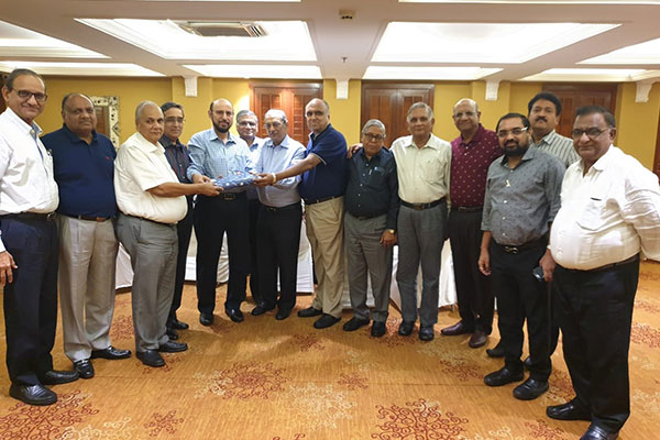 EEPC Team represented by Chairman Mr Ravi Sehgal(5th from left) Mr Arun K Garodia (4th from left) ,Vice Chairman, EEPC India  and Mr B. D.Agarwal,Regional Chairman (ER), EEPC India, felicitating Mr Dinesh Seksaria, Chairman,Indian Foundry Park