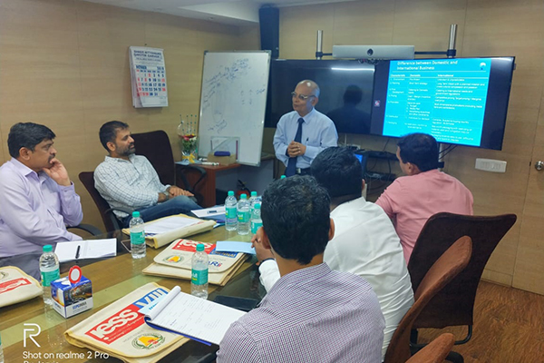 Mr Arvind Khedkar, Faculty is imparting training to the participants