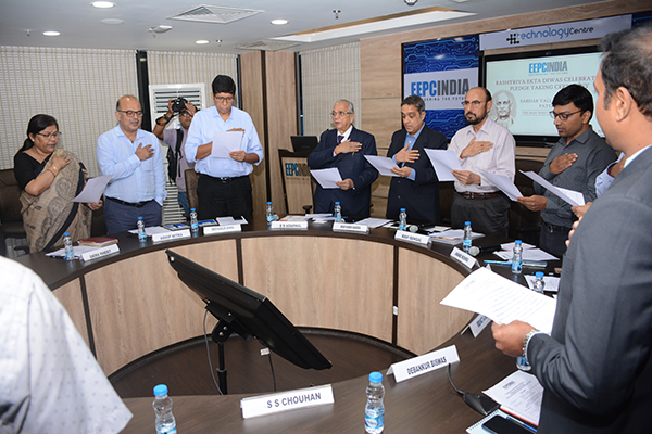 Oath by EEPC India Chairman Mr. Ravi Sehgal in Assemblage. To his right Mr. Arun Kumar Garodia, Vice Chairman. On his right Mr. B D Agarwal, Regional Chairman (ER), EEPC India. Ms. Anima Pandey, Regional Director (ER) & Director (Membership), EEPC India (extreme left) and to her left Mr. Adhip Mitra, Addl. Executive Director & Secretary, EEPC India are present with other diginaries.