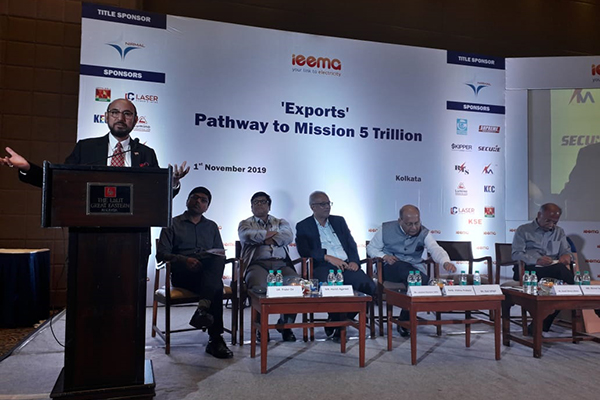 EEPC India Chairman, Mr Ravi Sehgal speaks at a session on `Exports -Pathway to Mission 5 Trillion` is organised by IEEMA (Indian Electrical and Electronics Manufacturers Association). On the dais, Mr Harish Agarwal, IMM Past President, IEEMA & Dr Prabir De, ASEAN India Centre is present.