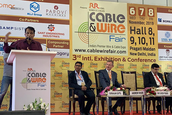 Mr. Suresh Prabhu, Former Hon`ble Minister of Commerce & Industry, Government of India is addressing at the fare.