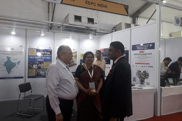 EEPC India`s Regional Chairman (ER), Mr B D Agarwal meets Hon`ble Union Minister of Coal, Mines & Parliamentary Affairs, Mr Pralhad Joshi at the inauguration of 8th IME 2019 where EEPC India has a booth. Ms AnimaPandey, Regional Director (ER) & Director (Membership), EEPC India seen.