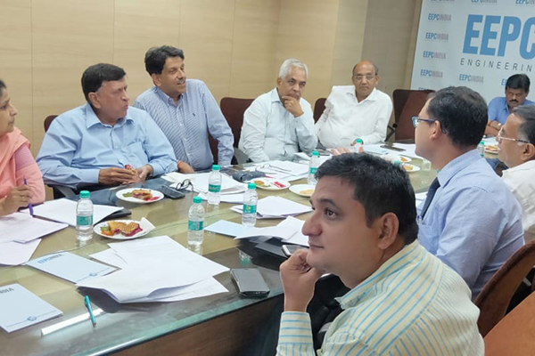 Mr. Pankaj Chadha, WC Member, EEPC India (WR) and Convenor of Panel 13, EEPC India (3rd from head table) is interacting with some member-exporters. To his right, Mr K. L. Dhingra, Regional Chairman, EEPC India (WR) and Ms. Neetu Singh, Dy. Director, EEPC India (RO), Mumbai is present. Across the table (front), Mr. Pratap Singh Bharda, Sr. Asstt. Director, EEPC India (RO), Mumbai is also seen.