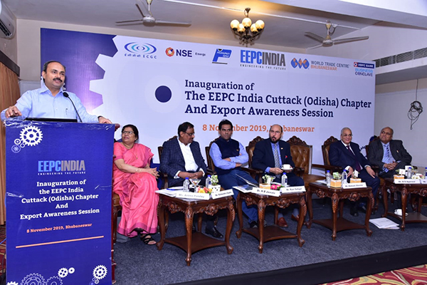 Mr Hemant Sharma, IAS, Commissioner-cum-Secretary, Dept of MSME, Govt of Odisha at the session. On the dais from left Ms Anima Pandey, Regional Director (ER) & Director (Membership), EEPC India; Mr Mahendra Gupta, Convener, WTC Bhubaneswar Infrastructure Think Tank; Dr N B Jawale, ED, IPICOL  (Industrial Promotion and Investment Corporation of Odisha Ltd),  EEPC India; Mr Ravi Sehgal, Chairman, EEPC India; Mr B D Agarwal, Regional Chairman (ER), EEPC India; Mr Pawan Sureka, Convener, EEPC India Cuttack (Odisha) Chapter.