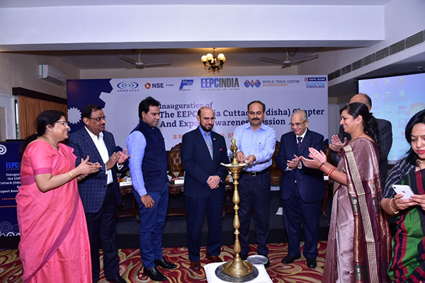 Mr Hemant Sharma, IAS, Commissioner-cum-Secretary, Dept of MSME, Govt of Odisha is lighting the lamp. On his right-  Mr Ravi Sehgal, Chairman, EEPC India and left-  Mr B D Agarwal, Regional Chairman (ER), EEPC India is present along with other dignitaries.