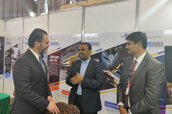 H. E Mr. Acisclo Valladares, Minister of Economy, Guatemala along with the Indian Ambassador Mr. B S Mubarak, Ambassador of India to Guatemala, Honduras & El Salvador at the EEPC India Booth