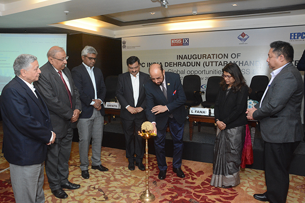 Mr Ravi Sehgal, Chairman, EEPC India lighting the inaugural lamp. From left - Mr P K Dhawan, Dy Convener,  Dehradun (Uttarakhand) Chapter;  Mr Pankaj Gupta, Convener, Dehradun (Uttarakhand) Chapter;  Mr Ranganathan Jagannathan, Dy General Manager & Team Lead - Reliance Model Economic Township Limited (RMETL); Mr Sudhir Nautiyal, Director Industries, Government of Uttarakhand; Ms Manisha Panwar, IAS, Principal Secretary Industries,  Government of Uttarakhand and  Mr L Fanai, IAS, Director General, Commissioner of Industries, Department of MSME,  Government of Uttarakhand