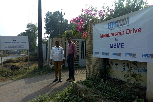 EEPC India (RO), Chennai organized a Membership Drive for MSME at Kanjikode Industries Forum. Mr. V. Anandan, Sr. Assistant, EEPC India (RO), Chennai is seen.
