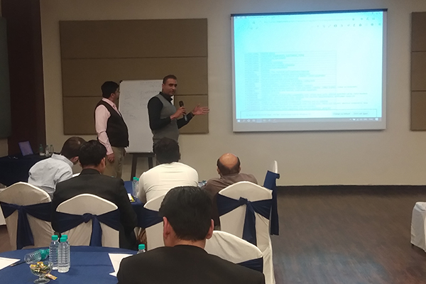 Mr Varun Chulate, Assistant Director, EEPC India is giving presentations during the session.