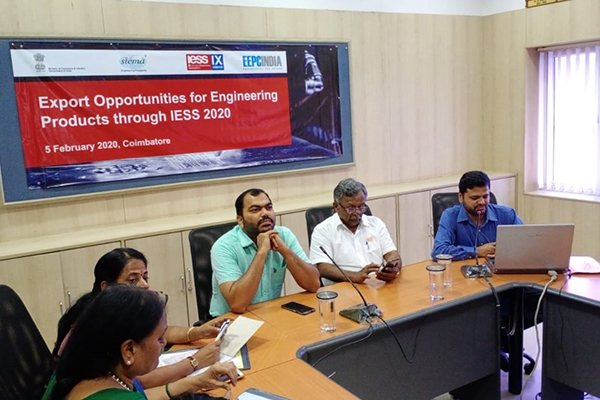 Mr. V.Bhaskar, Assistant Director, EEPC India (R.O.) Chennai making a presentation on Export opportunities at IESS 2020