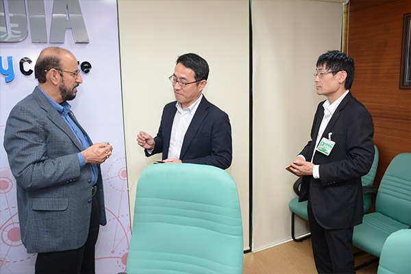 Mr. Ravi Sehgal, Chairman, EEPC India; Mr. Mamoru Mizoguchi &  Mr. Tohru Mizuki from Kimura Foundry Co. Ltd., Japan (Left to right)