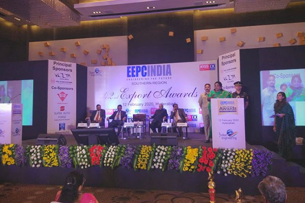 EEPC India (SR) office rewarded 85 member exporters from the region for their export excellence at the 42nd edition of the award. H.E.Tamilisai Soundararajan, Hon'ble Governor of Telangana did the Honours.