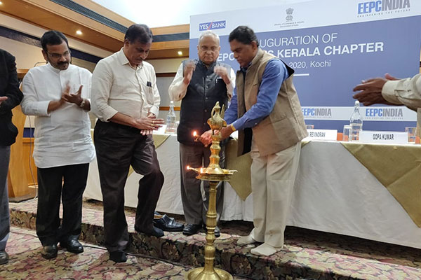 Mr. K. S. Mani, Regional Chairman, EEPC India (SR) lighting the inaugural lamp.