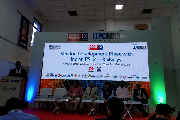Mr. Rakesh Suraj, Regional Director (NR), EEPC India addressing the gathering at Vendor Development Meet with Indian Railways