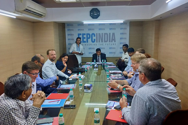 Mr. Krishanlal Dhingra, Regional Chairman (WR), EEPC India interacting with the Australian Delegates. Ms. Varsha Baria, Executive Officer, EEPC India, Mumbai is also present to the right side of Mr. Dhingra.