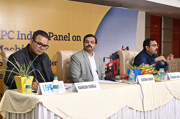 Mr. Tushar Jain, EEPC India`s Agricultural Machinery Panel Convenor addressing at the session. To his right,  Mr Suvidh Shah, Jt. DGFT, Ludhiana (Key Speaker) and Mr Rakesh Suraj, Regional Director (Northern Region), EEPC India is seen.