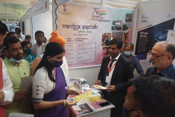 Ms. Anupriya S. Patel, Hon'ble Minister of State, Ministry of Commerce, Government of India visits the EEPC India stall.